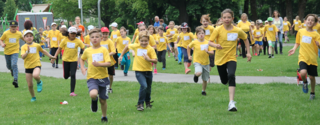 Los geht's! 818 Kinder und Jugendliche waren beim Caritas-Lauf dabei