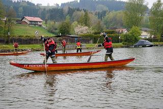 Die Teilnehmer der Wasserdienst-Grundausbildung konnten gleich üben für den Wasserwehrleitungsbewerb, der am 10. Juni in Kasten stattfindet.