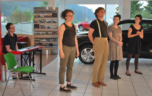 Musiker Christian Larese, Künstler Anja Sturzeis, Wolfgang Viertl, Andrea Frenadametz und Johanna Huter.