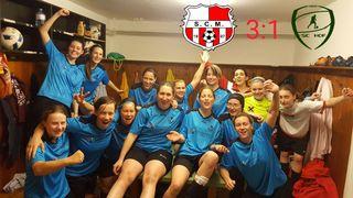 Ausgelassener Jubel nach dem Derbysieg gegen Hof bei der Damenmannschaft des SC Moosbrunn. Das 3:1 war verdient.