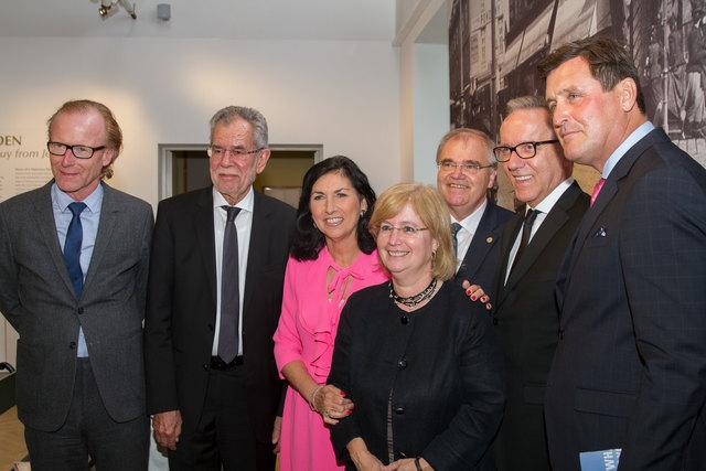 Am Foto von der Eröffnung: Georg Kraft-Kinz, Alexander Van der Bellen, Danielle Spera, Wolfgang Brandstetter, Talya Lador, Rudi Kaske und Peter Hanke (von links).