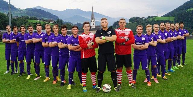 Die Meisterkicker aus Pfarrwerfen freuen sich auf den Aufstieg in die 1. Landesliga.