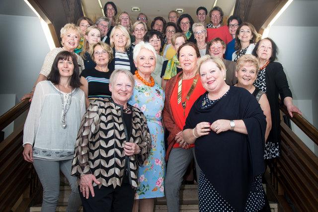 Die 33 Clubschwestern feierten das 25-jährige Jubiläum des Soroptimist Clubs Linz-Fidentia.
