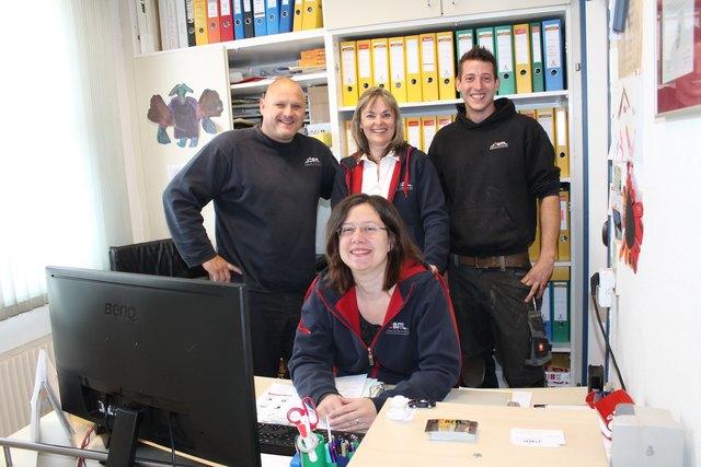 Chef Georg Jöbstl (links hinten) mit seinen Mitarbeitern Brigitte Fasching, Christoph Formann und Anna Kerschhackl (vorne)