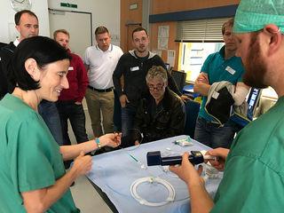 Workshop im Herzkatheterlabor: Ballonkatheter und Stents zum Angreifen