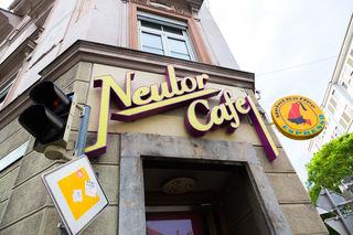 Legendäres Café: Noch steht offen, ob in der Neutorgasse 50 wieder ein Lokal oder Büroräumlichkeiten folgen werden.