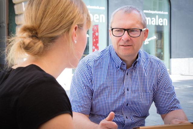 Politikexperte Klaus Poier im Gespräch mit WOCHE-Redakteurin Verena Schaupp über die Grazer Stadtpolitik.