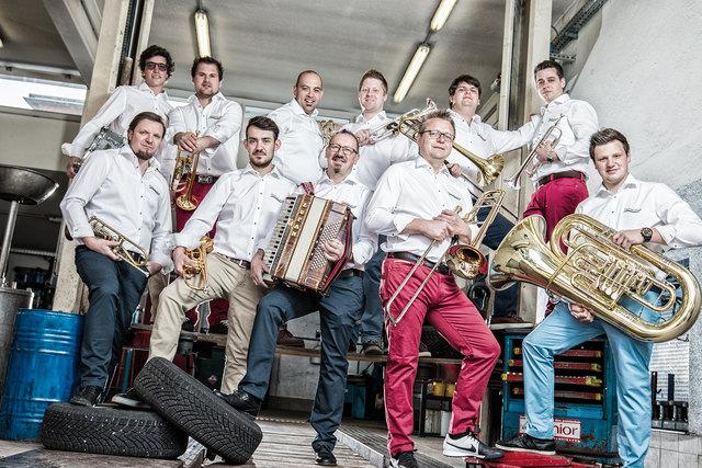 DIE böhmische Partyband Salvesenklang feiert heuer das 5-jährige Bestehen.