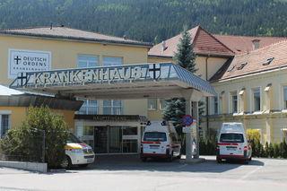 Der Mann wurde von der Rettung in das Krankenhaus Friesach gebracht