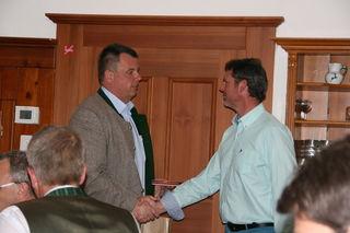 Dietmar Trausnitz (links) ist der neue Obmann; er übernimmt von Otto Grossegger