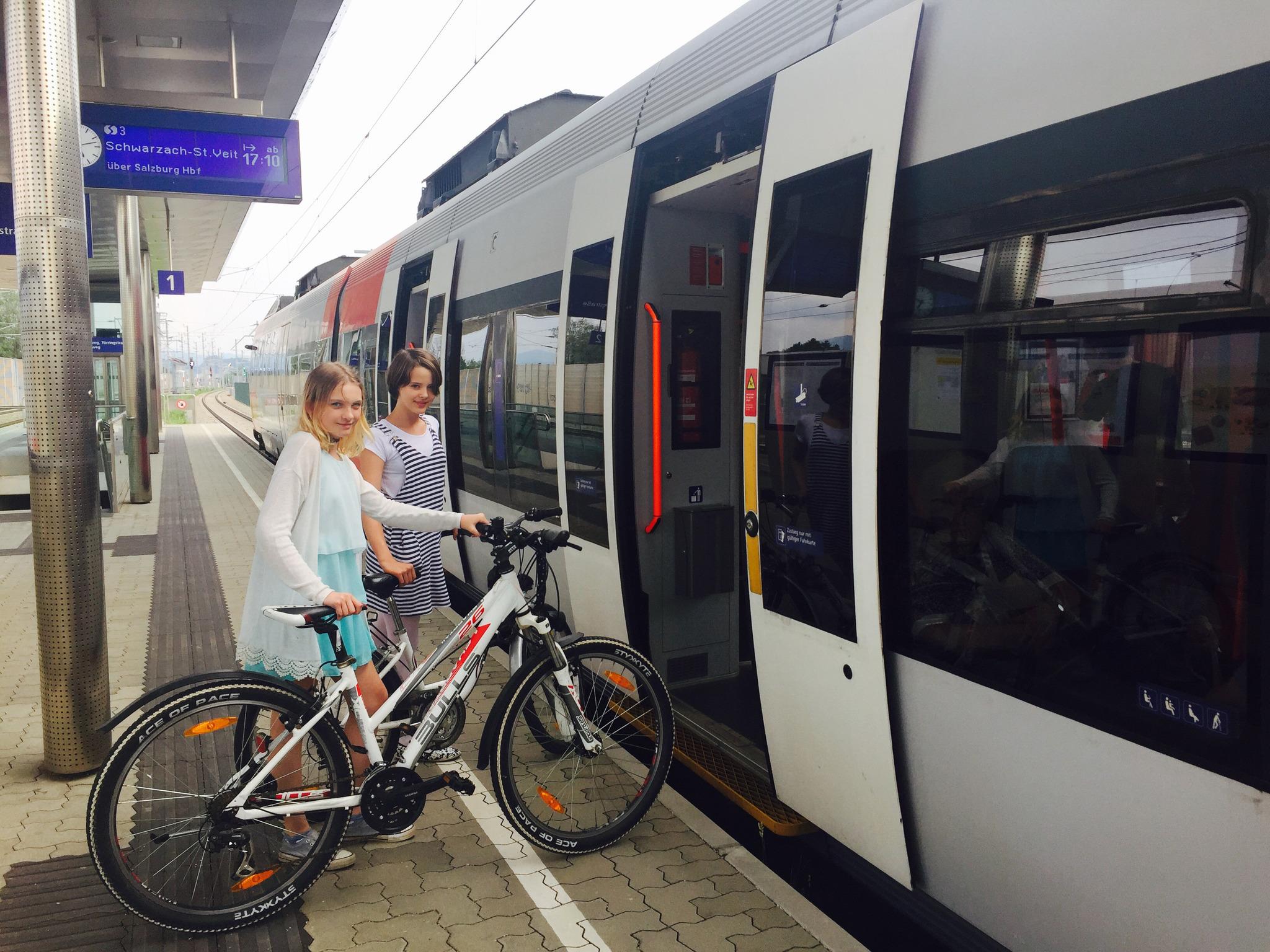 Wie fahrradfreundlich sind Salzburgs Öffis? Salzburg Stadt