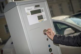 Ab 1. Juli wird der für Pendler beliebte Sirius-Parkplatz gebührenpflichtig. Ein Tagesticket wird 5 Euro kosten.