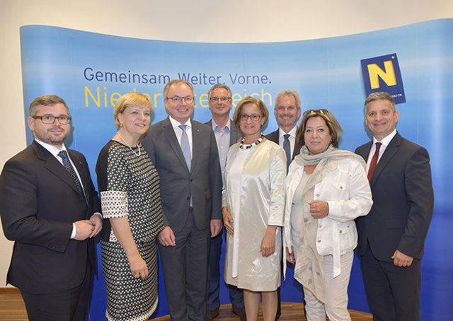 """Das """"neue Miteinander"""" der Landesregierung Niederösterreich trägt Früchte. Während der ersten gemeinsamen Klausur im IST Austria in Klosterneuburg wurden die Themen Digitalisierung und Transparenz behandelt"""