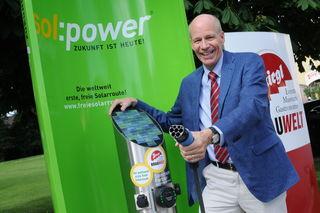 Unternehmensberater Roland Haslauer ist treibende Kraft hinter der Salzburger Solarroute.