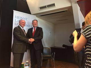 Erwin Pröll (li.) und Andrä Rupprechter präsentieren den Zwischenbericht des Masterplan für den ländlichen Raum.
