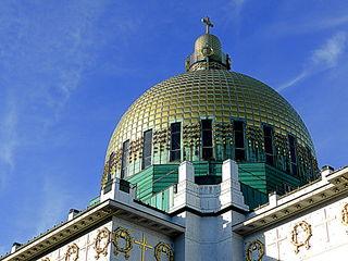 """Bei Sonnenschein leuchtet die Kuppel der """"Otto-Wagner Kirche"""" weit über Wien  ☼"""