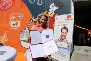 Doppelte Freude für Alexandra Gruber, Geschäftsführerin der Wiener Tafel: Gestern beim Marketingpreis ausgezeichnet, heute die TafelHaus-Eröffnung!
