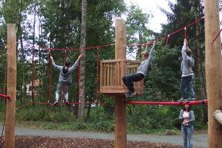Den Waldspielplatz im Siebenhügelwald in Waidmannsdorf gibt es seit 2015 und bietet eine besondere Atmosphäre