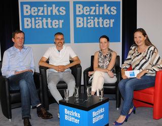 Verkehrsstadtrat Johann Padutsch, Bgm. Rene Kuel, SVV-Geschäftsführerin Allegra Frommer und Bezirksblätter-Chefredakteurin Stefanie Schenker.