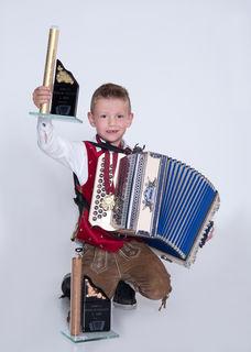 Der sechsjährige Raphael Maier aus Klagenfurt ist Staatsmeister an der Steirischen Harmonika