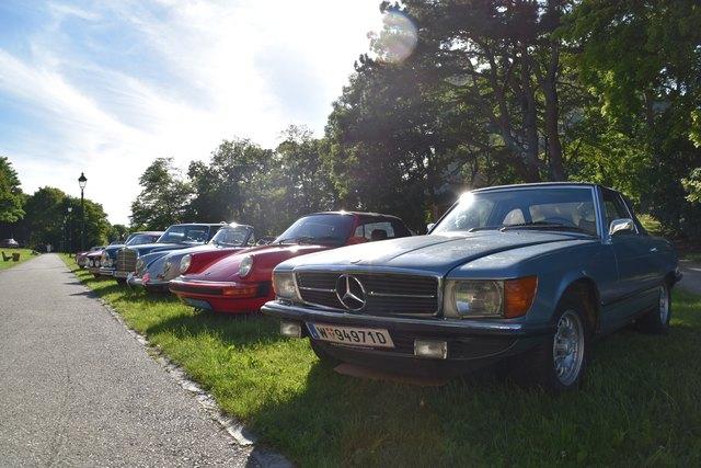 Oldies but Goldies: 23 historische Fahrzeuge waren auf der Burg Liechtenstein zu sehen.