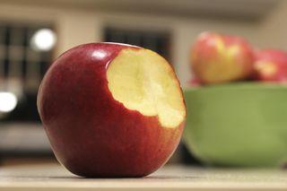 Wird der iPhone-Hersteller Apple in den sauren Apfel beißen und den Steuernachforderungen in den USA sowie in Europa nachkommen?