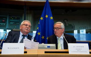 """Jean-Claude Juncker (r.) mit Werner Langen beim PANA-Ausschuss des EU-Parlaments: """"Ich habe gelernt."""""""
