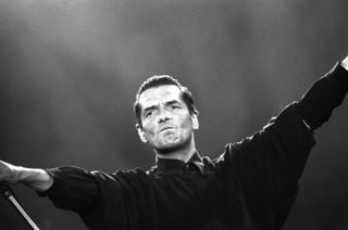 Erinnerungen an ein legendäres Konzert: Falco gastierte 1993 beim Donauinselfest und schrieb dabei Geschichte.