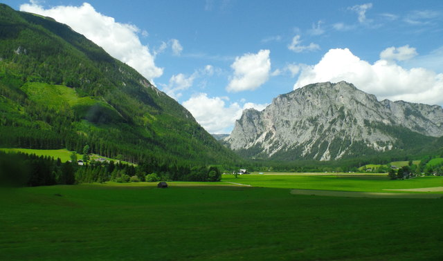 """Tragöß liegt in Nordwesten von Bruck an der Mur in der Steiermark! Hier befindet sich der Grüne See! Nicht umsonst heißt es die """"Grüne Steiermark""""!"""