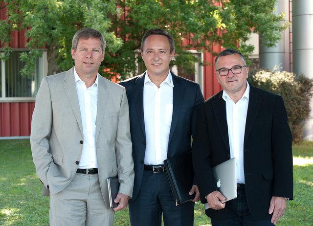 von li.: Prokurist und Baumeister Peter Urban, Geschäftsführer Thomas Ennsberger und Prokurist Günter Reisinger.