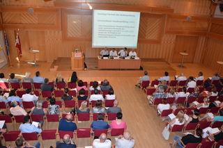 """200 Unternehmer informierten sich im Festsaal der Wirtschaftskammer zum Thema """"Finanzprüfung – was nun?""""."""