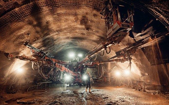 Die zweite Röhre des rund drei Kilometer langen Perjentunnels ist freigelegt.