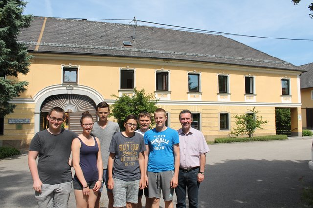 Christoph Fischl, Kathrin Winischhofer, Alexander Mühlberger, Johannes Fragner, Lehrer Josef Dietachmair, Christoph Kogler, Dir. Franz Scheuwimmer.