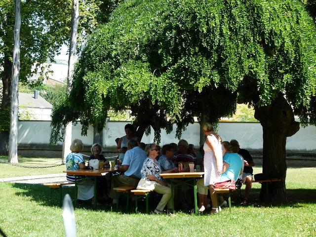 Im Gemeindepark (Aufnahme Kurkonzert 2014)