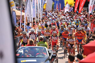 1.200 Starter werden zum Grieskirchner 24-Stunden-Radmarathon powered by Raiffeisen erwartet.  Zuvor steht ein Weltrekordversuch von Extremsportler Walter Pöll an.