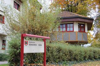 Die Seniorenheime Hülgerthpark sind in desolatem Zustand. Trotz Sanierungsmaßnahmen müsse nun neu gebaut oder zumindest generalsaniert werden, so StR Jürgen Pfeiler