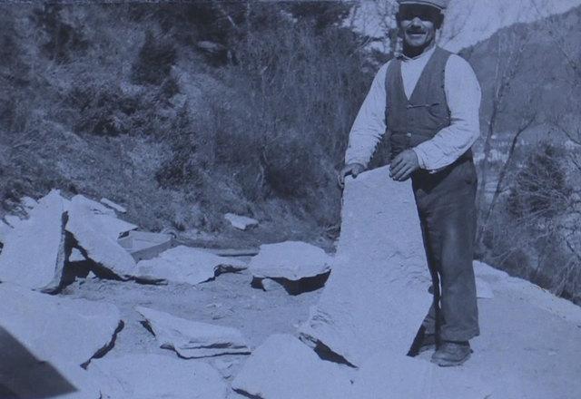 Franz Nissl beim Nisslpark-Bau