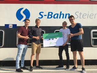 Die Junge ÖVP mit Fabian Kohlbacher, Florian Greinix, Thomas Schlatzer und Adi Kern präsentiert den Mobilitätsscheck.