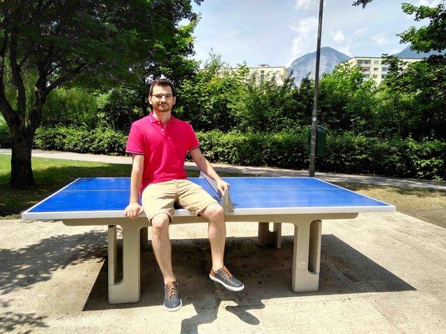 Bald schon in Landeck? GR Marco Lettenbichler auf einem fixen Tischtennistisch in der Landeshauptstadt Innsbruck.