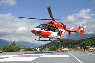 Das Rote Kreuz ist mit dem Hubschrauber gefordert