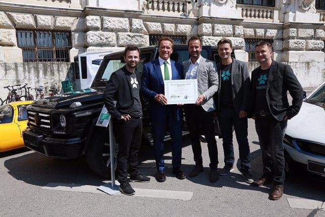Von links: Philipp Kreisel, Arnold Schwarzenegger, Christian Schlögl, Markus Kreisel und Johann Kreisel.