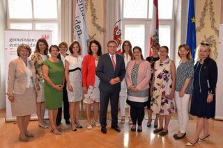 LH Günther Platter und LRin Christine Baur empfingen heute die Bezirkshauptfrauen Österreichs im Landhaus.