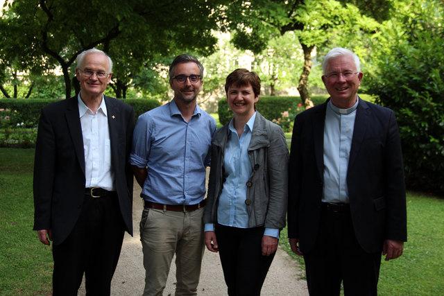 Der neue Generalvikar Roland Rasser mit dem neuen Kommunikationschef Kurt Sonneck, der neuen Seelsorgeamtsleiterin Lucia Greiner und Erzbischof Franz Lackner