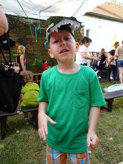 """Der Jüngste (Julian) meiner fünf Enkelkinder hatte sich beim Kiga-Abschlußfest als Krokodil """"verwandelt"""""""