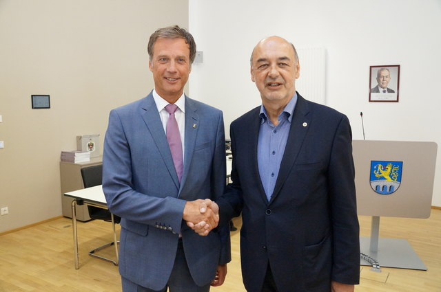 Fritz Kratzer (li.) soll die Nachfolge des bisherigen Kapfenberger Bürgermeisters Manfred Wegscheider antreten.
