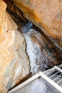 Die Stindl-Jörg-Quelle in Salla ist begehbar.