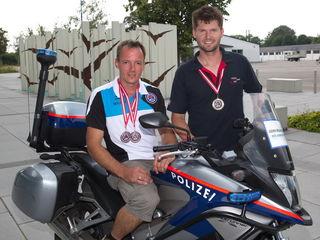 Pkw-Landessieger Michael Schöllhuber (re.) und Vize-Landessieger (Motorrad) Roland Rappold.