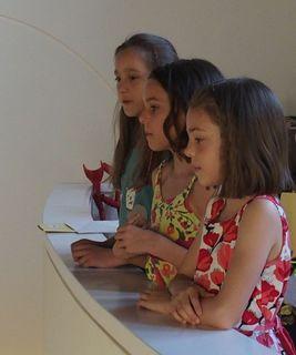 . . . Chor - Trio - Premiere ! . . .