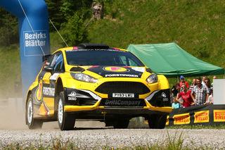 Forstinger-Pilot Niki Mayr-Melnhof entschied die Schneebergland Rallye 2017 in einem spannenden Showdown gegen Lokalmatador Christian Schubert-Mrlik für sich