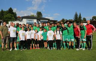 Die Spieler des österreichischen Rekordmeisters nahmen sich gerne Zeit für ein gemeinsames Foto